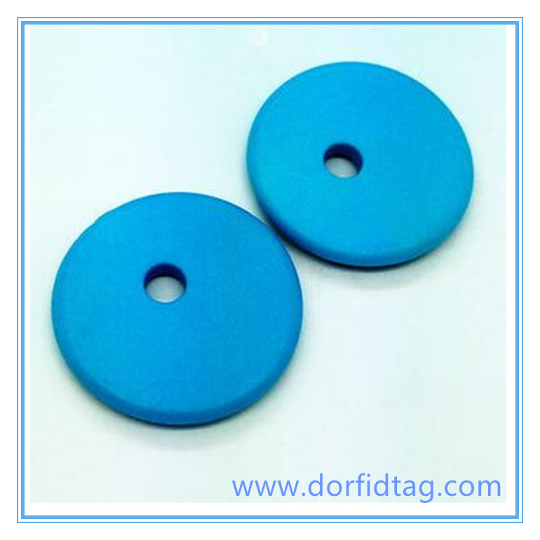 Industrial RFID laundry tags and RFID laundry scanner for hotels, hospitals, and work-wear
