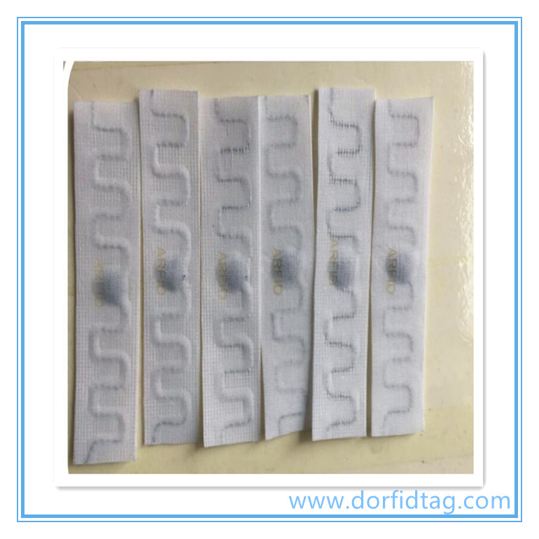 RFID laundry tag for RFID laundry management system