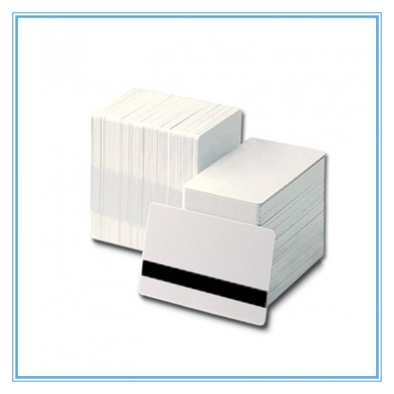 MIFARE ULTRALIGHT white PVC card with HICO 4000 OE